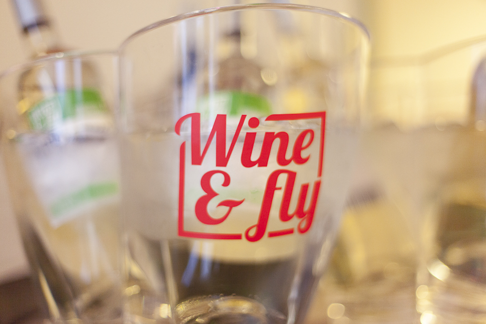 wine and fly-48